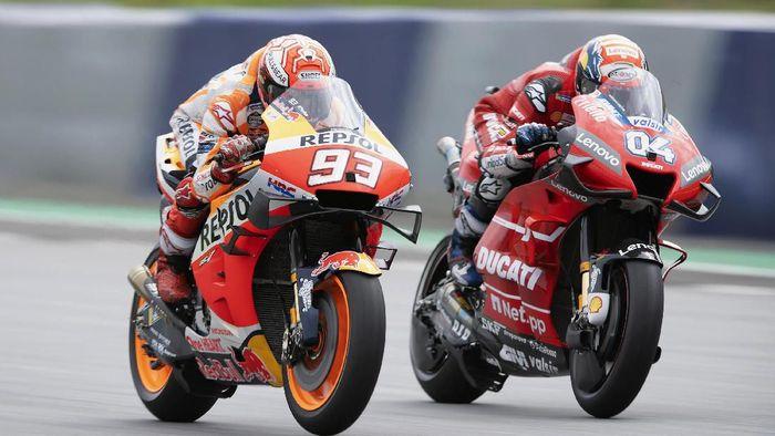 Duel ketat Marc Marquez dengan Andrea Dovizioso di MotoGP Austria (Mirco Lazzari gp/Getty Images)