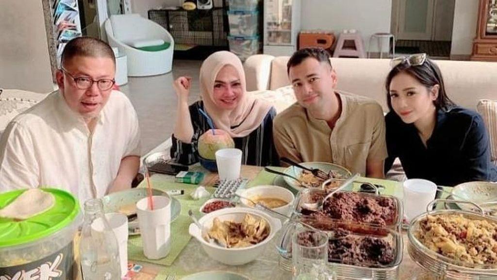 10 Selebriti Berpose Keren Saat Rayakan Idul Adha