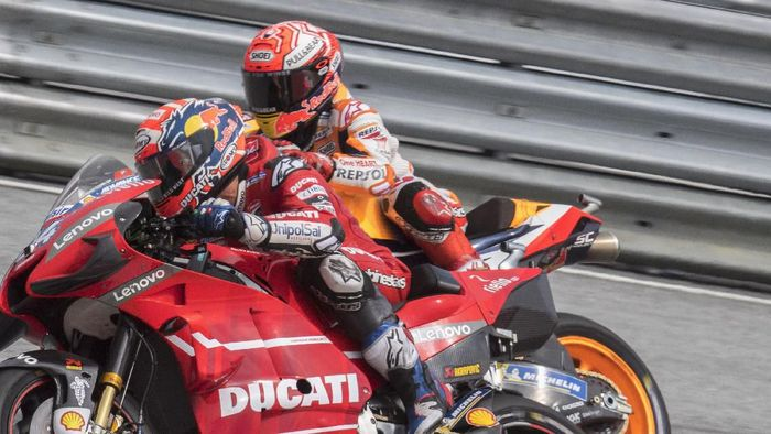 Marc Marquez dan Andrea Dovizioso terlibat duel panas di MotoGP Austria (Mirco Lazzari gp / Getty Images)