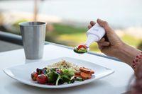 Dengan Sendok Antitumpah Ini, Penderita Parkinson Bisa Makan Sendiri