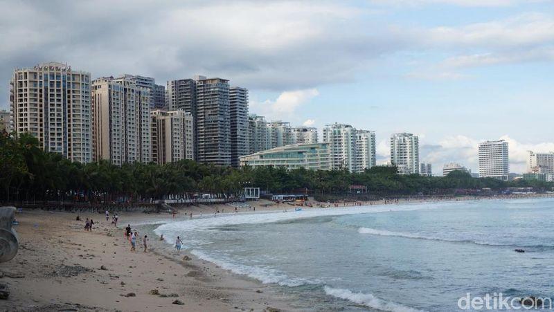 Hainan merupakan pulau kecil di selatan China. Berbeda dari China daratan, Hainan memiliki iklim mendekati tropis (Shinta Angriyana/detikcom)
