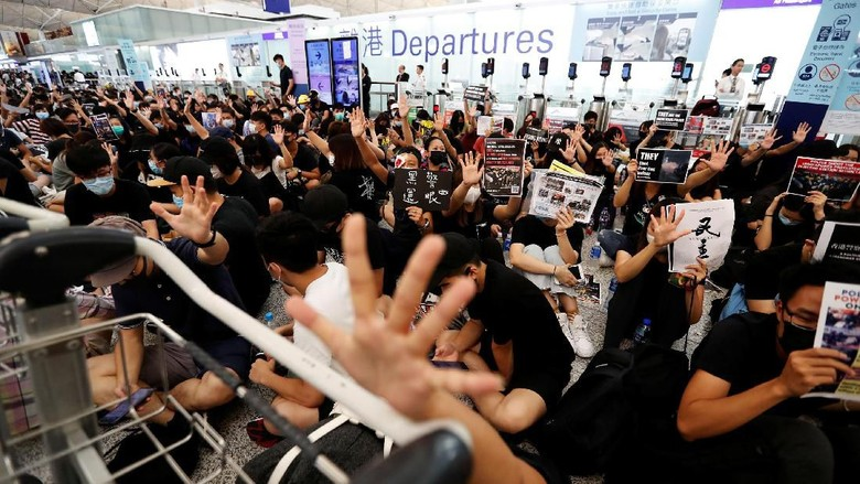 Bandara Hong Kong Hari Ini