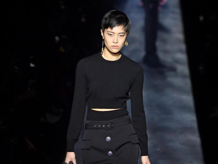 Model Asia di fashion show Givenchy. (Foto: Getty Images)