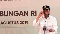 Menhub Budi Karya Sumadi memberikan sambutan saat meresmikan Stasiun KA Telaga Murni yang berada di Kabupaten Bekasi, Jawa Barat.
