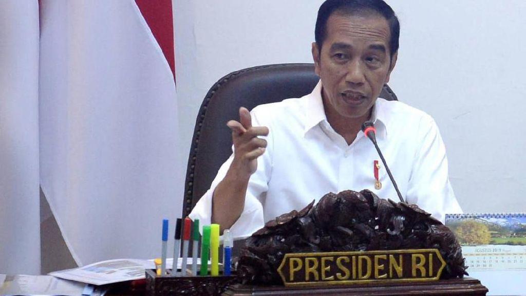Jokowi ke Menhan Prabowo: Pacu Industri Lokal, Jangan Semua Impor
