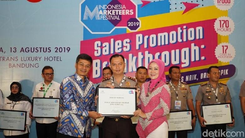 Polres Subang Raih Penghargaan Public Service of the Year Jabar 2019