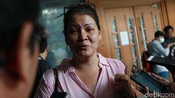 Cerita Melanie Subono Ditolak Saat Bagikan Nasi Kotak