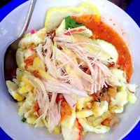 Hangatkan Pagi dengan Sarapan Bubur Ayam Legendaris di 5 Tempat Ini