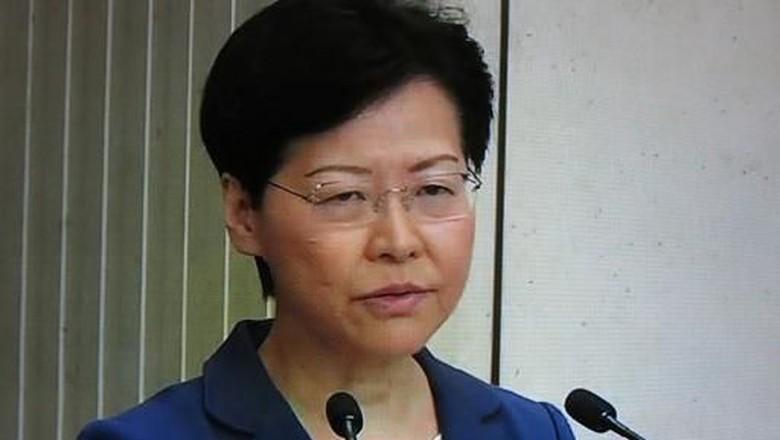 Pemimpin Hong Kong Dicecar Sengit Wartawan Saat Konferensi Pers