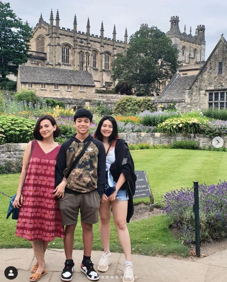 Shalima Hakim merupakan putri dari Wanda Hamidah dan Chico Hakim.Dok. Instagram/wanda_hamidah