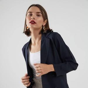 10 Blazer Kerja untuk Terlihat Lebih Profesional, Harga Rp 200 Ribuan