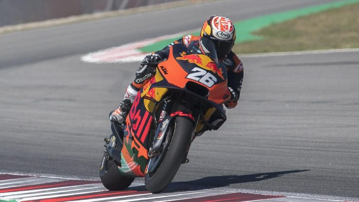 BARCELONA, SPAIN - JUNE 17: Dani Pedrosa of Spain and Red Bull KTM Factory Racing heads down a straight during the MotoGp Tests at Circuit de Barcelona-Catalunya on June 17, 2019 in Barcelona, Spain. (Photo by Mirco Lazzari gp/Getty Images)