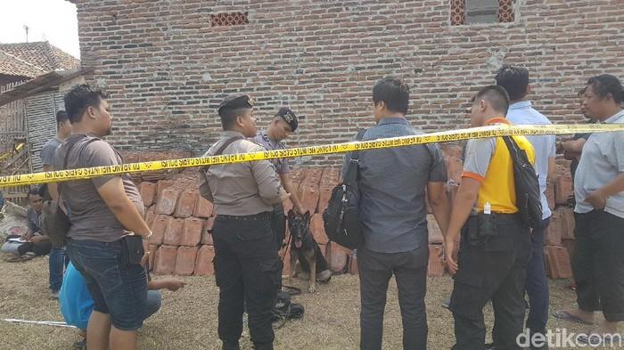 TKP pembunuhan sekeluarga di Serang (Bahtiar Rifai/detikcom)