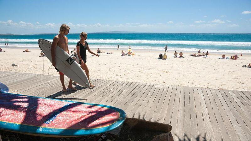 Kota Noosa di Queensland, Australia barangkali belum populer untuk turis Indonesia. Namun di kalangan turis lokal Aussie, Noosa terkenal dengan pantai pasir putih yang cantik (iStock)