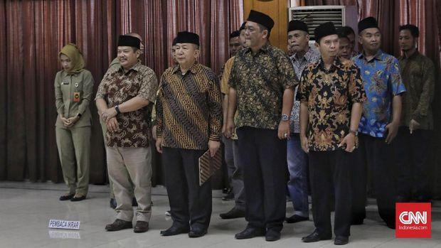 Sarjono (tengah) bersama 13 rekannya yang merupakan eks DI/TII.