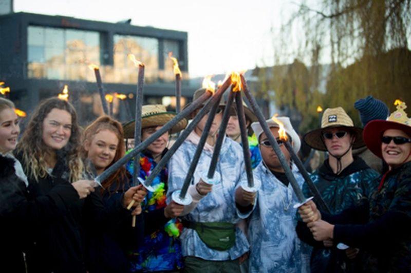 Traveler bisa mengunjungi beberapa festival musim dingin seperti Winter Fest, dan pesta musim dingin terbesar di Selandia Baru, Queenstown Winter festival (Tourism New Zealand)
