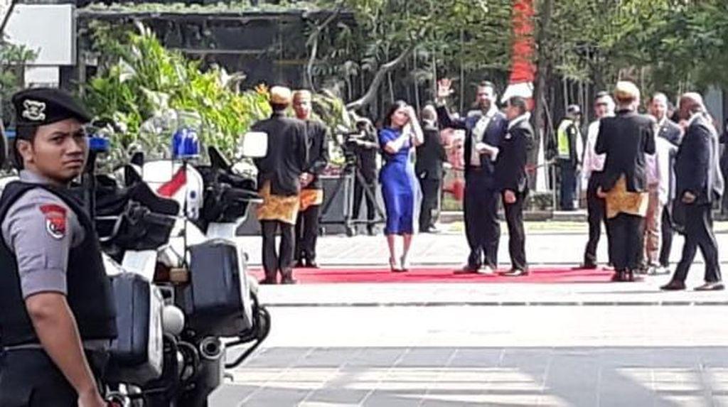 Datang ke Jakarta, Donald Trump Jr Melenggang di Karpet Merah