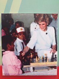 Lady Diana saat kunjungi pasien kusta di Indonesia