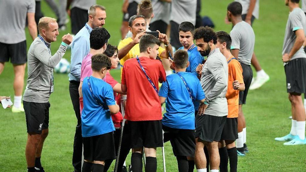 Jelang Piala Super Eropa, Liverpool dan Chelsea Kedatangan Tamu Spesial