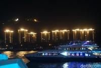 Wisata cruise di Hainan merupakan daya tarik yang paling populer untuk wisatawan. Letaknya berada di Sanya, jantung kegiatan pariwisata di Pulau Hainan, China. Tepatnya, di Sanya Bay (Shinta/detikcom)
