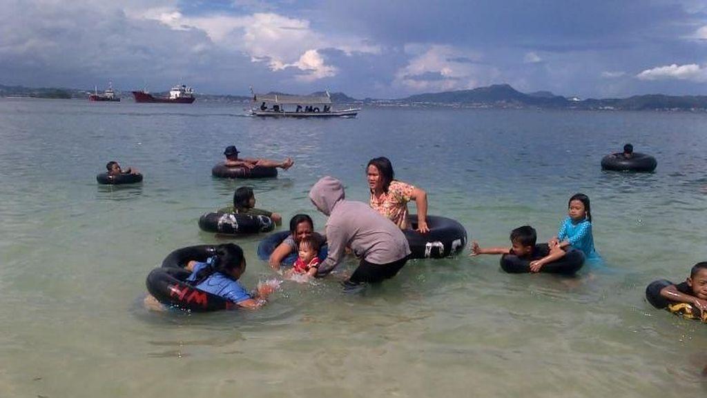 3 Pantai Indah Dekat Bandar Lampung