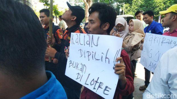 Pelantikan anggota DPRD Kota Semarang.