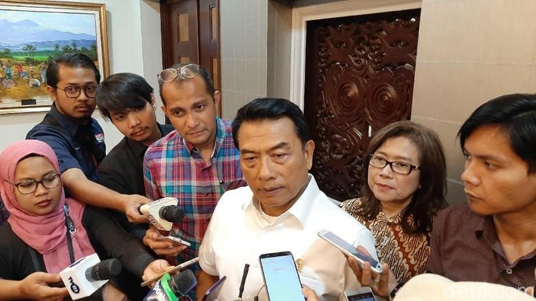 Jokowi Teken Perpres Mobil Listrik, Istana Bicara Kelengkapan Infrastruktur