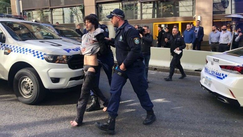 Polisi Sebut Penusukan di Sydney Sejauh Ini Bukan Terorisme