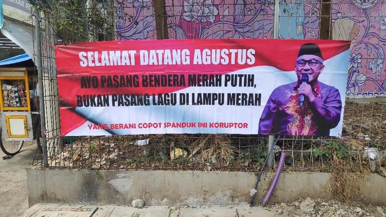 Walkot Depok Kaitkan Spanduk Tolak Lagu Lampu Merah ke Politik