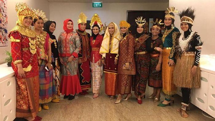 Foto: Pakaian Adat (itimewa/Wow Salon & Butik)