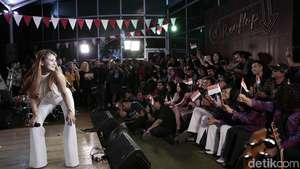 Yessy Bintang Buka Kemeriahan Panggung Gembira 17-an di detikcom