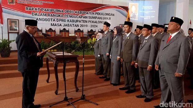 Pelantikan anggota DPRD Pekalongan
