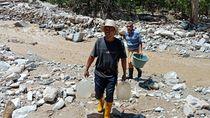 Ada Longsor, Bantuan Air Bersih untuk Korban Banjir Sigi Terhambat
