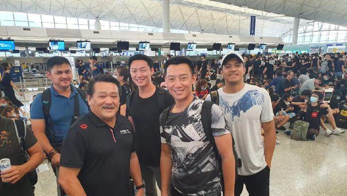 Tim Renang DKI Jakarta terjebak di Bandara Hong Kong (dok.PRSI Jakarta)