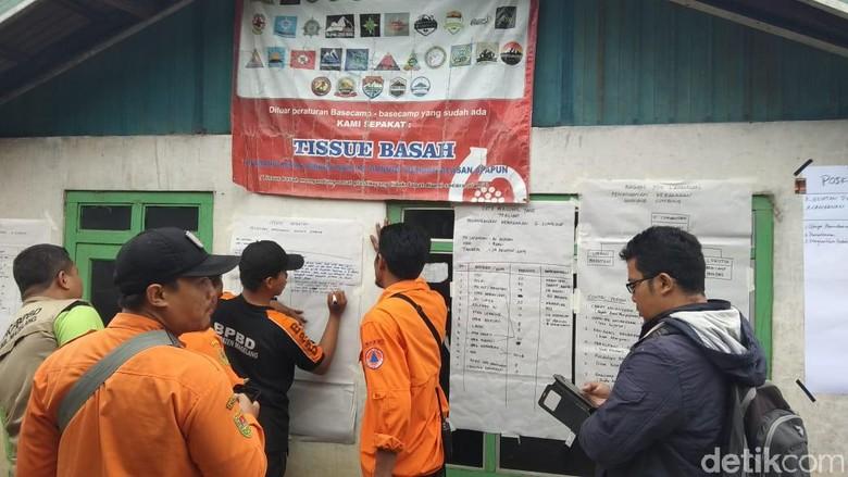 Kebakaran Lereng Sumbing Belum Padam, Pos Koordinasi Dibuka di Adipuro
