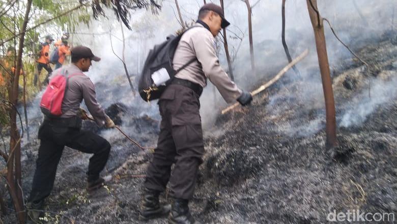 Kebakaran Lahan di Lereng Gunung Sumbing Berhasil Dipadamkan