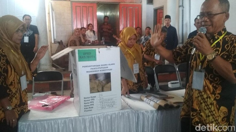 Hasil Hitung Ulang Perolehan Suara di Trenggalek, PDIP Gagal Tambah Kursi