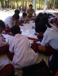 Bangunan Tak Layak, Siswa SDN Jaya Mekar Cianjur Belajar di Teras