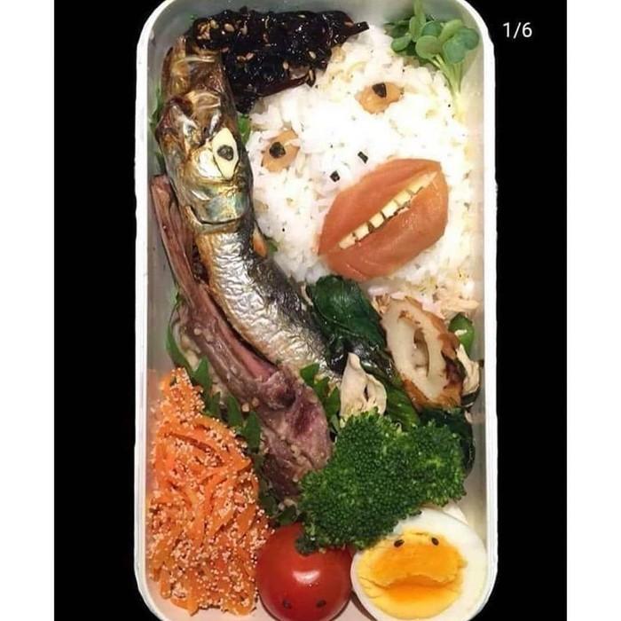 Sebenarnya bekal ini umum seperti bekal biasa. Terdiri dari nasi, ikan, tumis sayuran dan telur. Tapi dibuat aneh seperti zombie. Foto: twitter