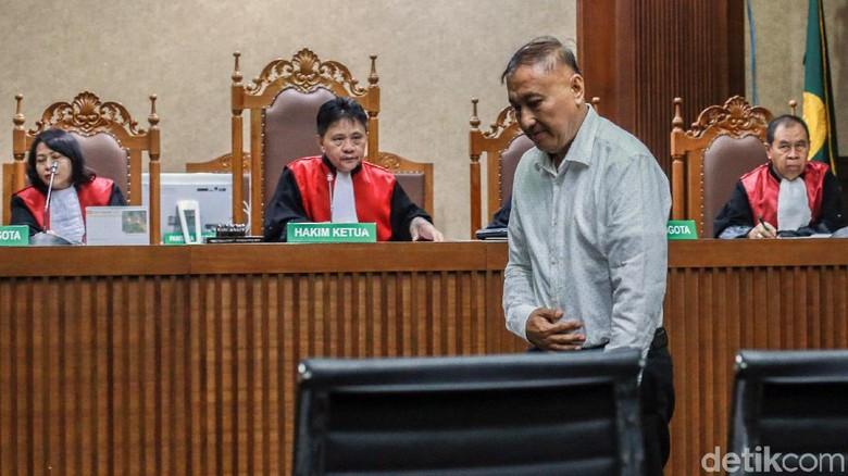 Markus Nari Jalani Sidang Perdana Kasus Korupsi e-KTP