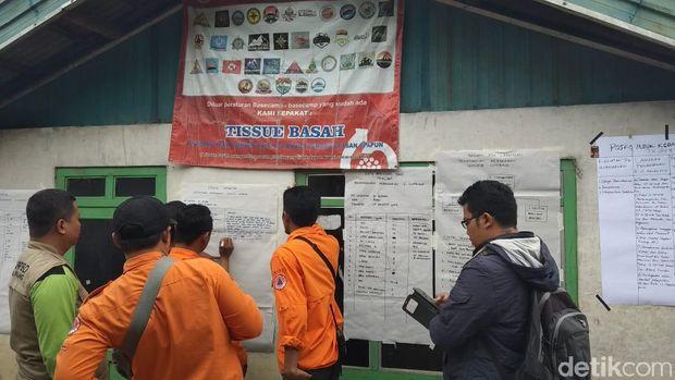 Pos penanganan kebakaran di lereng Gunung Sumbing, Kabupaten Magelang.
