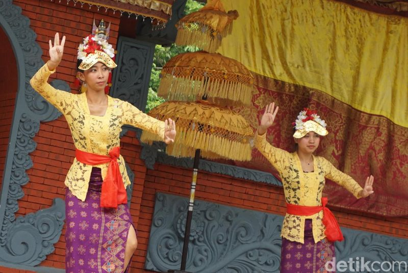 Desa Bali merupakan salah satu atraksi pariwisata yang berada di jantung kota turis Hainan, Sanya (Shinta/detikcom)