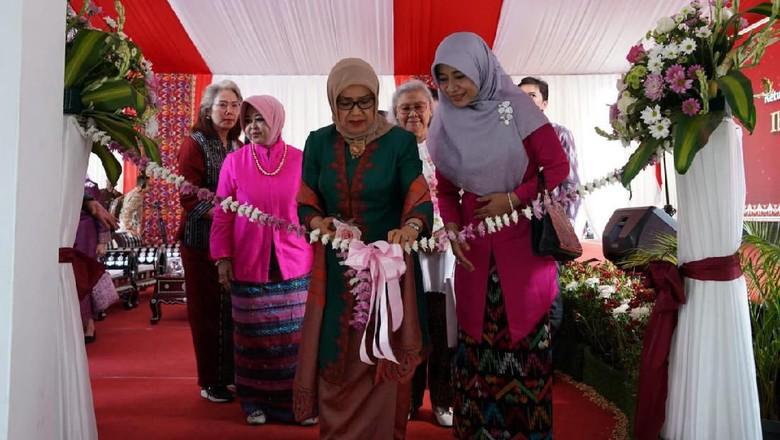 Mufidah Kalla Resmikan Gedung Dekranasda NTB