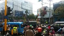Video Demo Berujung Rusuh di Malang, Sejumlah Jalan Ditutup