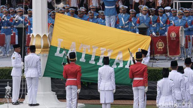 Geladi Bersih Upacara Bendera di Istana