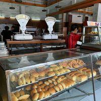5 Tempat Makan Tempo Dulu di Bandung, Ada yang Berusia 100 Tahun