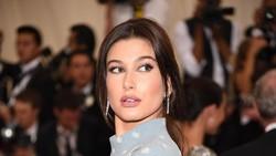 Intip 7 Momen Belanja Seleb Hollywood, dari Kylie Jenner hingga Hailey Bieber