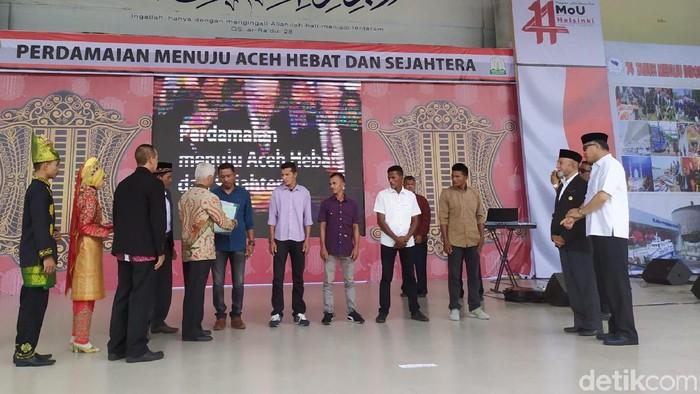 Foto: 100 Korban Konflik Dapat Tanah 2 Ha di Peringatan 14 Tahun Aceh Damai (Agus-detik)