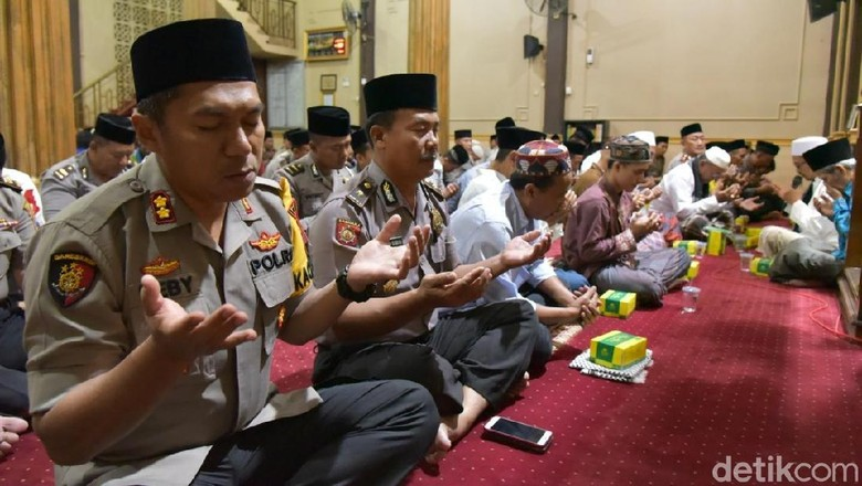 Syukuri Nikmat Kemerdekaan, Polisi dan ASN di Lamongan Gelar Doa Bersama