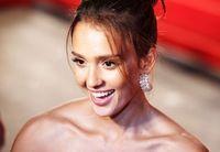 Jessica Alba Selalu Simpan Bumbu Favoritnya Ini di Kulkas